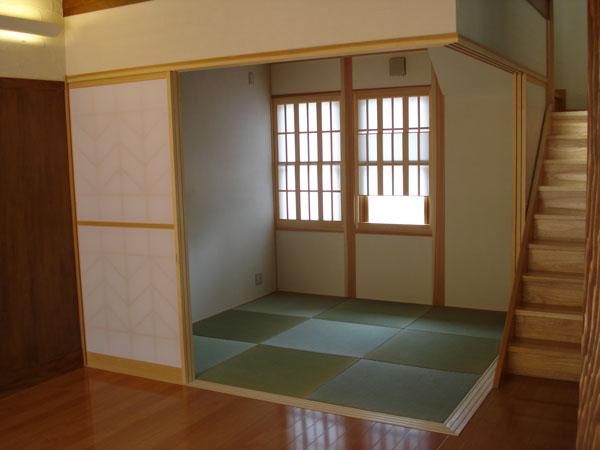 階段横の和室